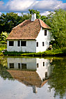 Smedens hus ved gadekæret - The old blacksmiths little house at the village pond