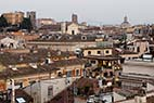 Roms tage - View to the rooftops of Rome Italy from the roof of the Hotel Colonna Palace